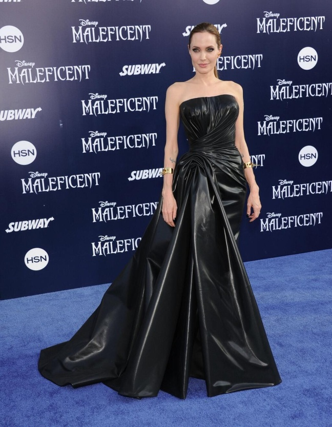 AngelinaJolie_Maleficent_Premiere_Versace