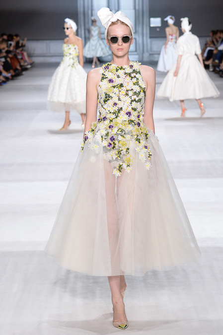 Giambattista_Valli_Couture_Fall14-1h
