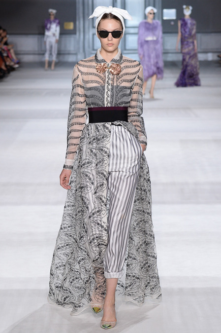 Giambattista_Valli_Couture_Fall14-1l