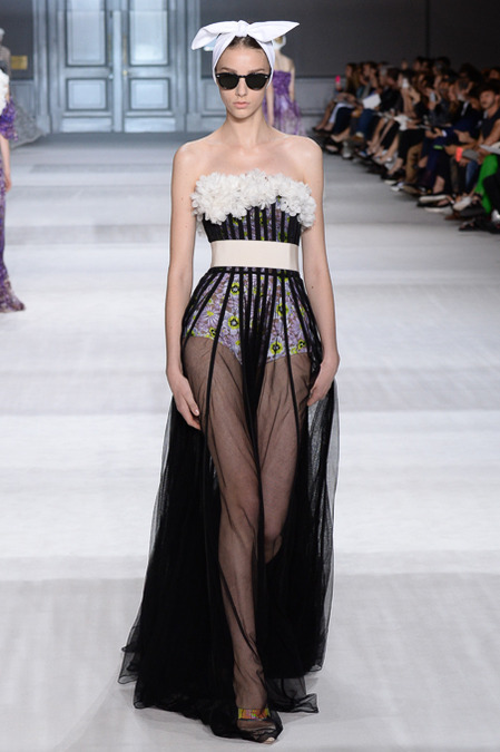 Giambattista_Valli_Couture_Fall14-1m