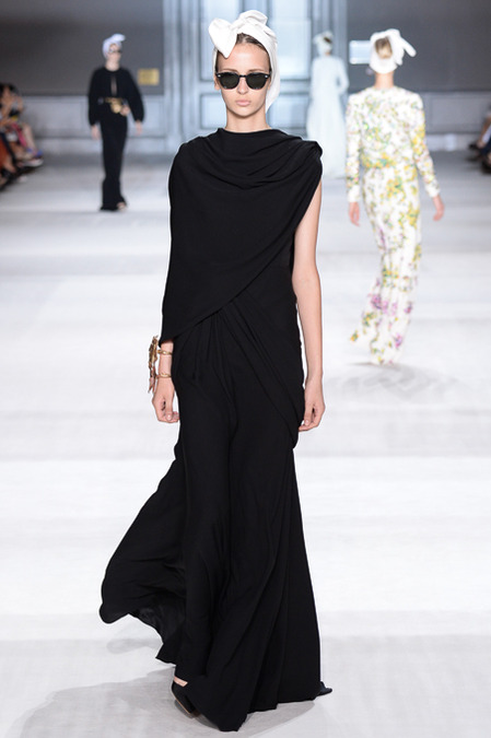 Giambattista_Valli_Couture_Fall14-2b