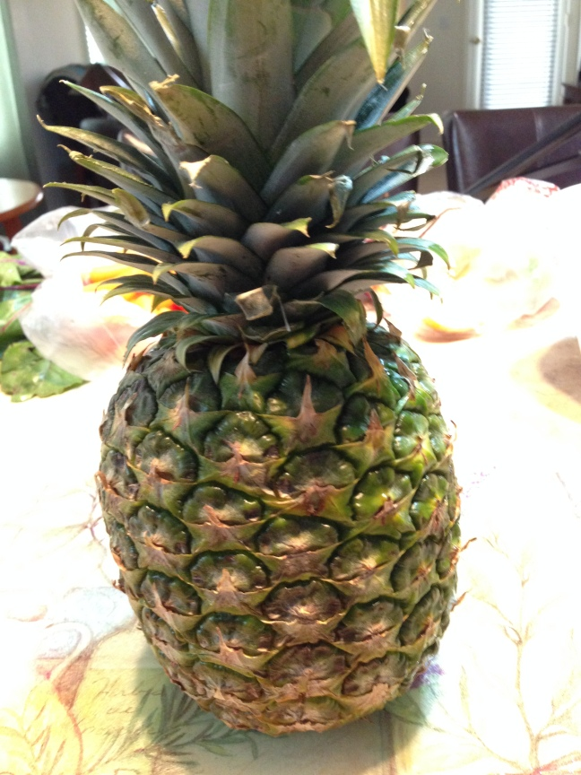 How_To_Cut_A_Pinapple-1b