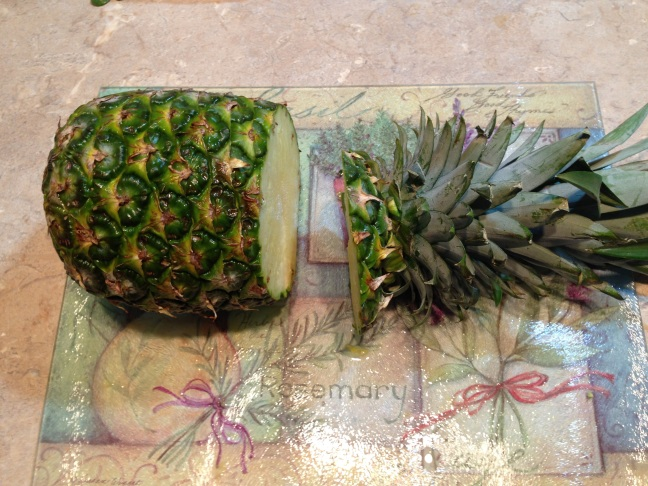 How_To_Cut_A_Pinapple-1d