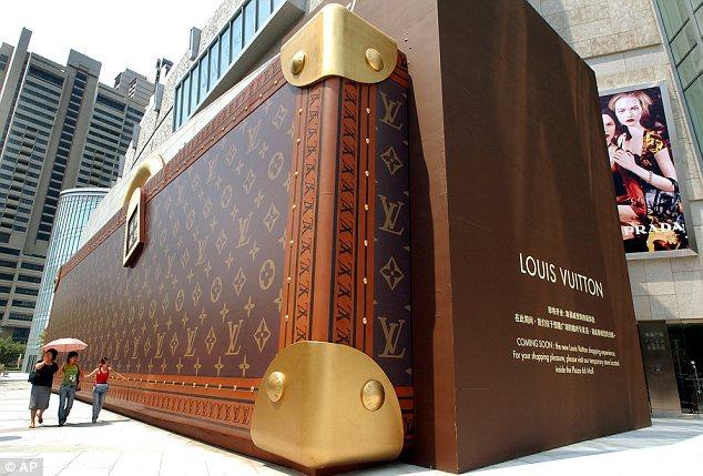 Louis_Vuitton_Under_Construction